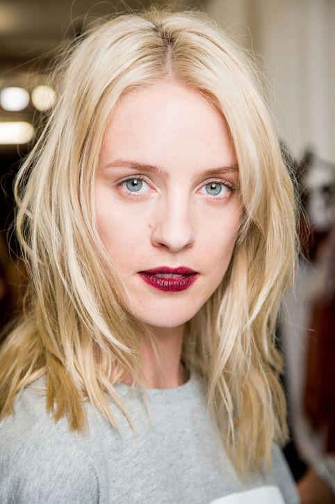 02-no-21-spring-2015-runway-makeup-lip-stain-h724